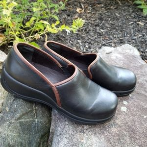 Dansko Caitlin Black Brown Trim Leather Clogs 40